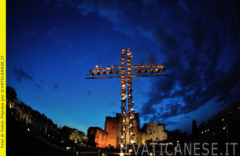 Venerdì Santo Passione del Signore: Via Crucis presieduta dal Santo Padre Francesco