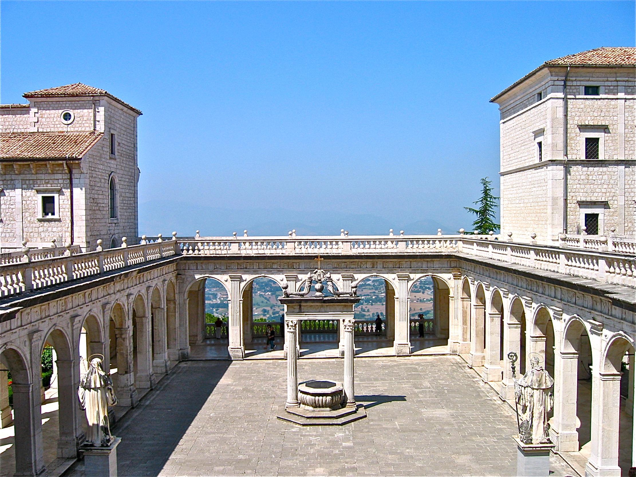 Loggia-del-paradiso-Abbazia-Montecassino
