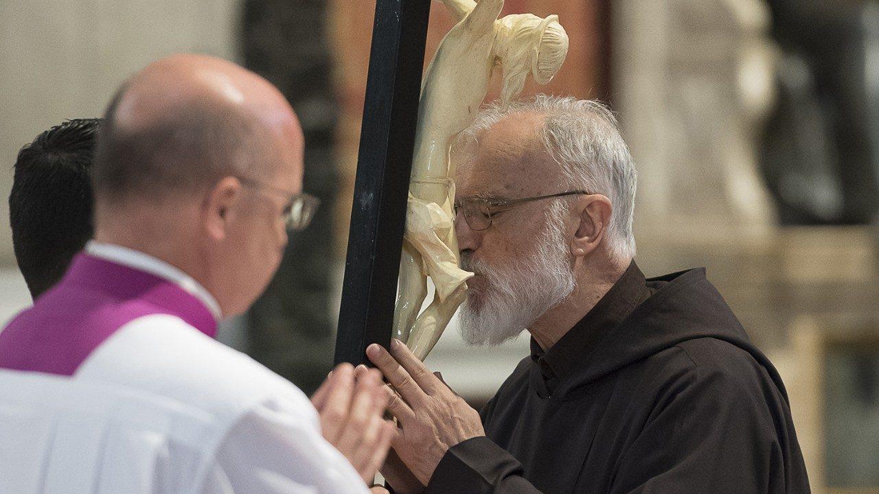 Il predicatore Padre Raniero Cantalamessa