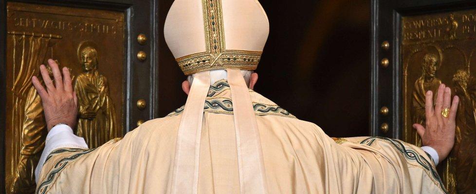 papa-francesco-apertura-porta-santa