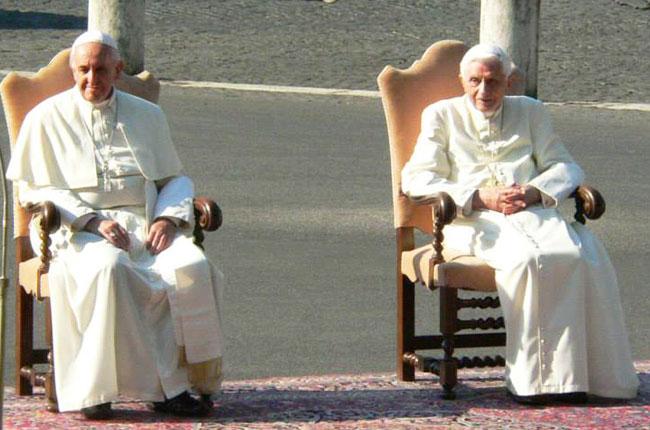 papa-francesco-e-papa-benedetto-XVI-vaticanese