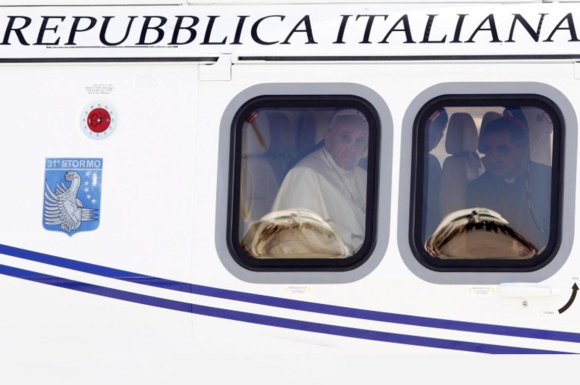 papa-francesco-arrivo-a-rio-gmg-2013-vaticanese