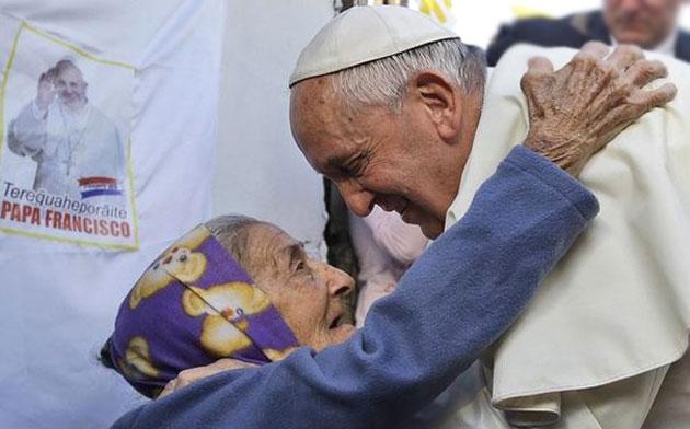 papa francesco solidarietà