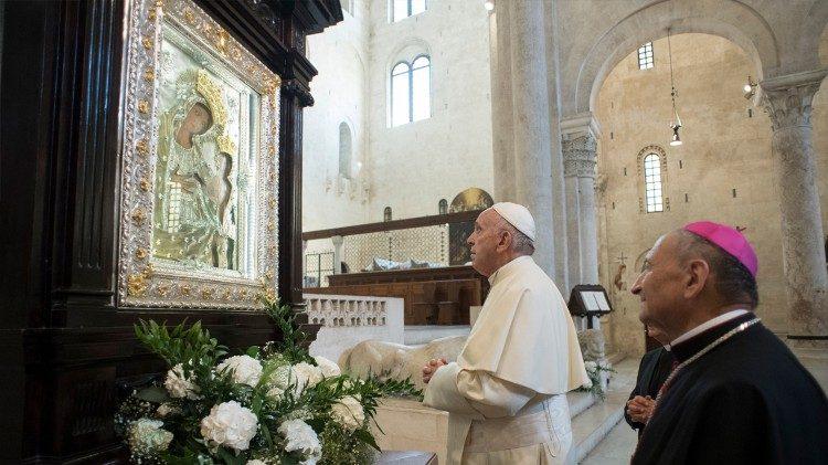 papafrancesco-cattedrale-bari