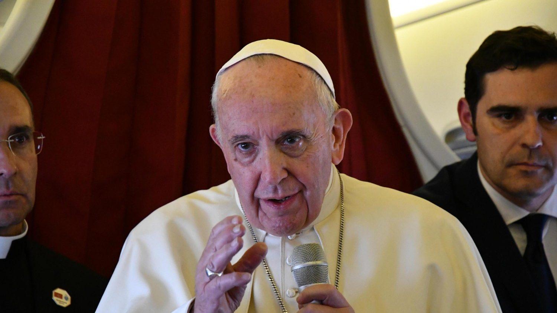 Il Papa nell'incontro con i giornalisti sull'aereo (ANSA)